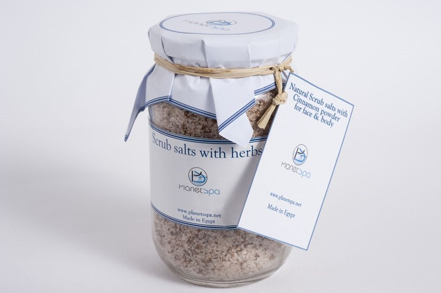 Natural scrub salts with cinnamon powder for face & body