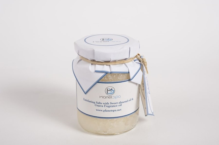 Exfoliating salts with sweet almond oil & guava fragnance oil