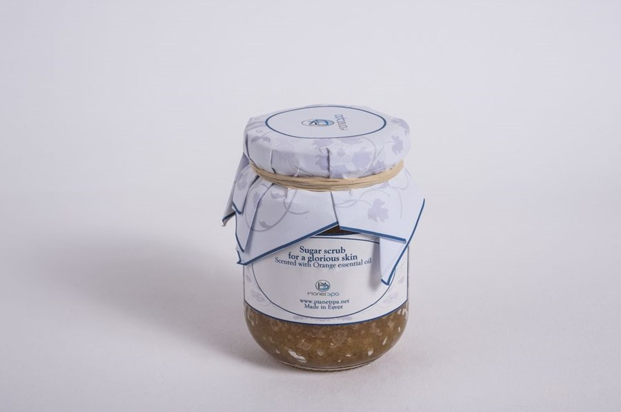 Sugar scrub for a glorious skin scented with orange essential oil